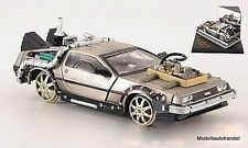 DeLorean DMC-12 Back to the Future III Railroad  1:43 SunStar