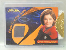 STAR TREK VOYAGER -Quotable- CAPTAIN KATHRYN JANEWAY Relic Costume Card 305/600