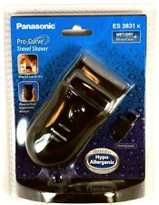 ES3831K PANASONIC Pro-Curve Battery Operated Travel Wet/Dry Shaver, uses 2 AA