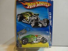 2010 Hot Wheels #140 Green 1/4 Mile Coupe w/5 Spoke Wheels w/Keychain