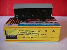 PIKO wagon couvert SNCF N° 438746 dans sa boite échelle HO