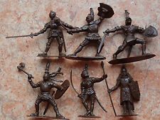 !!! Soldados de juguete en miniatura CABALLEROS Set 6 figuras hechas en Rusia...