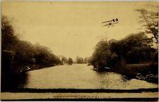 Cartolina Aviazione - Aereo In Volo Sul Lago Del Castello D'Angervilliers