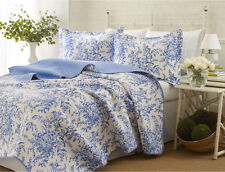 Full-Queen Size 3-piece Blue White Floral Reversible Quilt w Shams Set Bedding
