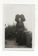PHOTO Snapshot Vintage Femme Costume traditionnel Folklore Coiffe - Vers 1930