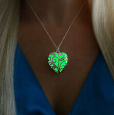 Green Glowing Heart Glow in the Dark Jewelry Pendant Necklace & UV Torch Charger