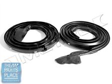 1968-70 Mopar B Body Door Weatherstrip Seal Pair - LM23