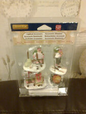 LEMAX 3 FIGURINES LIGHTED CAMP FIRE APPROX 8CM TALL 14356 NEW BOXED