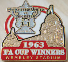 MANCHESTER UNITED v LEICESTER CITY Victory Pins 1963 FA CUP Badge Danbury Mint