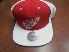Detroit Red Wings Snapback Hat Cap Mesh made by Mitchell & Ness NEW w sticker