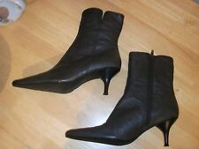 WOMENS NEWPORT NEWS, BROWN LEATHER, SIDE ZIPPER ANKLE BOOTS, SIZE 7.5M, 22676