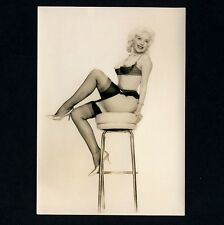 NEAR NUDE BLOND STRIPPER GIRL / FRIVOLE STRIPPERIN * Vintage 50s Hot Ad Photo PC