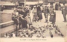 CPA 69 LYON LES PIGEONS PLACE DES TERREAUX (SUPERBE