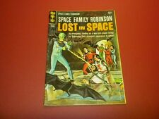 SPACE FAMILY ROBINSON - LOST IN SPACE #18 Gold Key Comics 1966 SCI-FI TV