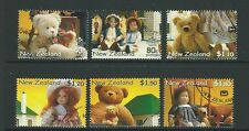 NEW ZEALAND 2000 BEARS AND DOLLS SET OF 6 FINE USED