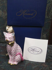 HEREND FISHNET SITTING CAT PORCELAIN ORNAMENT Raspberry GOLD FIRST EDITION