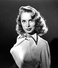 1950-1959 JANET LEIGH b/w  glamour portrait photo (Celebrities & Musicians)
