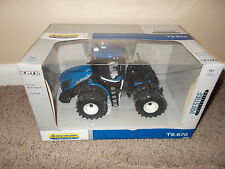 New Holland T9.670 Farm Toy Tractor Diecast Stock 13819 Ertl Made 2013