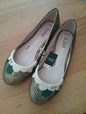 Next Womens Festive Flat Leather Shoes Size 4.5 New
