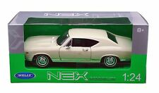 "Welly 1968 Chevy Chevelle SS 396 1:24 scale 8"" model car Cream White W107"