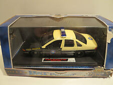 Dimension 4 - Hot Pursuit - 1/24 Florida Highway Patrol - Chev Caprice Police