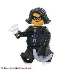LEGO Collectible MiniFigure: Series 15: #15 - Jewel Thief (Sealed Pack)