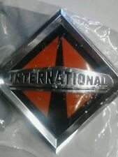 INTERNATIONAL NAVISTAR EMBLEM PROGPH NAME BADGE