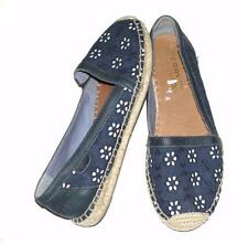SPERRY~NAVY BLUE & WHITE~FLORAL EYELET~SUMMER ESPADRILLES~COMFORT FLAT SHOES~7