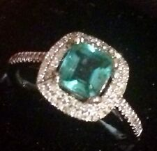 ESTATE ! NATURAL COLOMBIAN EMERALD AND REAL DIAMONDS RING IN 14K WHITE GOLD