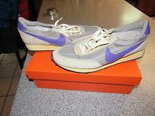 MENS NIKE DAYBREAK VINTAGE RETRO RUNNING SHOES SIZE 13 316663 051 FROM 2007