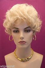 Pearl Platinum Blonde Lt. Cool Beige Blonde Blonde Short Wavy Wigs