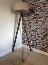 Recuperate in legno fatto a mano unica Treppiede Lampada