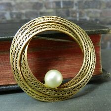 Antique/ Vintage Gold Filled, Patterned Wrapped Wreath Brooch w/ Pearl