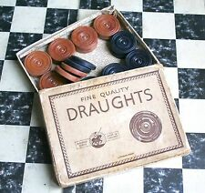 c1940/1950'S FINE QUALITY DRAUGHTS ST GEORGE SERIES- (CRYSTALATE) & HPG BOARD