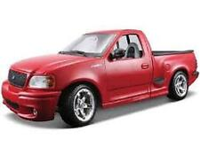 MAISTO FORD SVT F-150 LIGHTNING RED 1:18 DIECAST MODEL