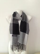 100% CASHMERE SCARF CHEVRON DESIGN BLACK WHITE MADE IN SCOTLAND SUPER SOFT