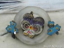 RARE VICTORIAN/EDWARDIAN COLD PAINTED ENAMEL TIN PANSY/FORGET MENOT GLASS BROOCH