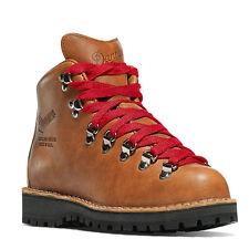 Danner Woman's Mountain Light Cascade Hiking Boot - 9.5