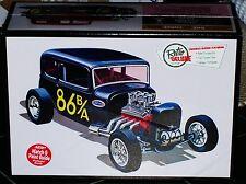 AMT 1932 Ford Victoria LiL' Viky  3 in 1 Drag, Custom, Stock model kit 1/25
