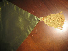 Oxford Peridot Formal Table Runner in Green with Gold Tassels 13x80 NEW