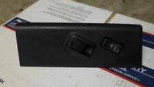 2001 Isuzu Trooper right passenger side front power window door lock switch OEM