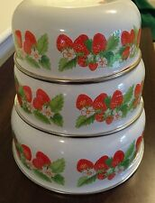 Set of 3 Kobe Kitchen Enamel Bowls Strawberries Nesting Made in Japan