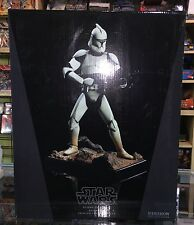 SIDESHOW Clone Trooper episode II premium format statue CANADA SELLER  star wars