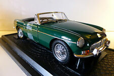 1:18 Kyosho Die-cast car series MG B Mk-1 in green. Mint and boxed.