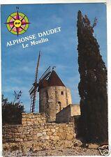 13 - cpsm - Le moulin d'Alphonse Daudet près du village de Fontvieille (H1209)