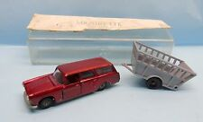 19406 MAJORETTE / FRANCE / 325 PEUGEOT 404 BREAK + REMORQUE FOURRAGERE 1/60