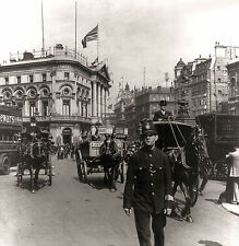 Vintage Piccadilly Circus London 1895 Black & White Print Photo Picture A4