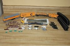Life-Like Union Pacific Diesel Locomotive Train set HO Scale + Track + signs kit