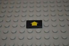 00534 LEGO Tile 1 x 2 Yellow Arrow 6982 6199 6899 6959 6991 4855 7315 pattern