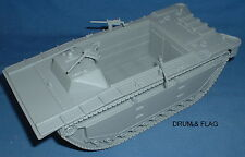 BMC AMTRAC. 1:32 SCALE. WW2 US AMPHIBIOUS TRACKED ASSAULT VEHICLE.